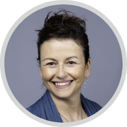 Anna McNally Headshot